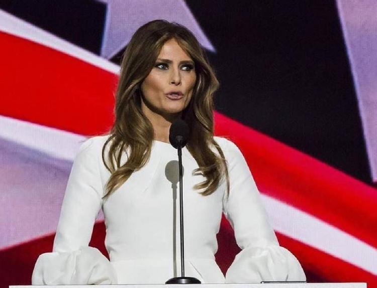 Меланья Трамп обвинила демократов и СМИ в дискредитации ее супруга
