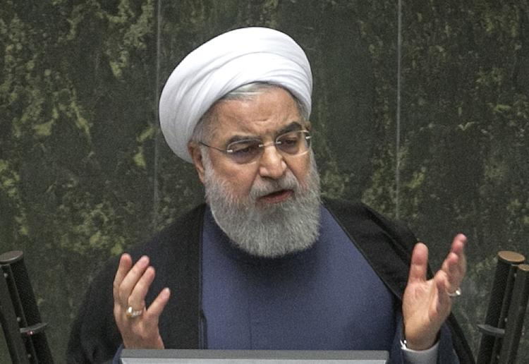 Роухани заявил, что Иран будет продавать нефть вопреки американским санкциям