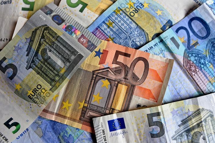 Депутат Рады был задержан в Праге за попытку расплатиться фальшивыми евро
