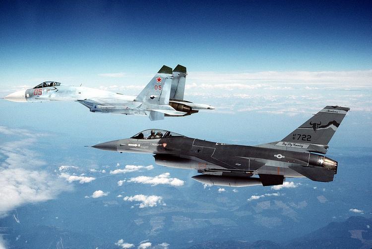 Минобороны РФ прокомментировало  обвинения США в опасном перехвате их самолета