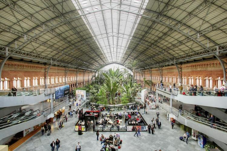 В Испании эвакуировали второй за день вокзал после сообщения о бомбе