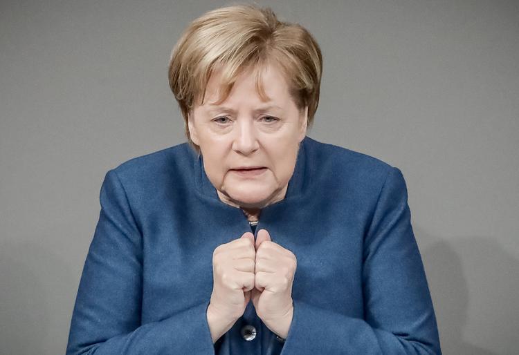 Меркель: Германия после Brexit продолжит военное сотрудничество с Британией