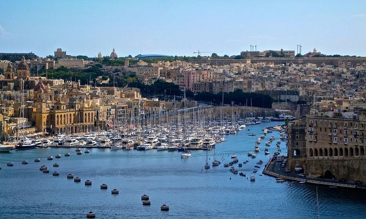 В каких условиях содержатся университеты на Мальте?