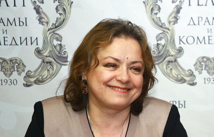 Актриса Елена Цыплакова стала главным режиссером театра