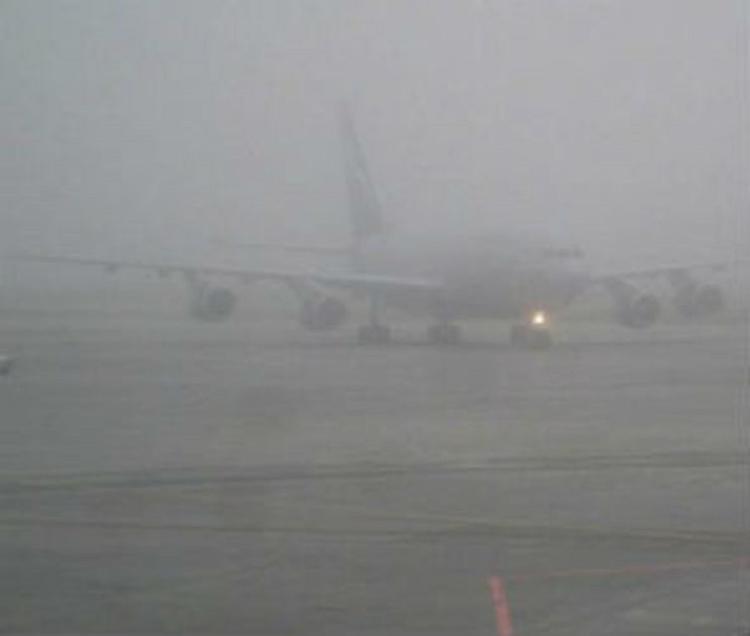Свыше 30 рейсов задержаны и отменены из-за снегопада в столице