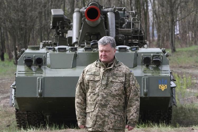 Порошенко отправил к границе с РФ десантно-штурмовые войска
