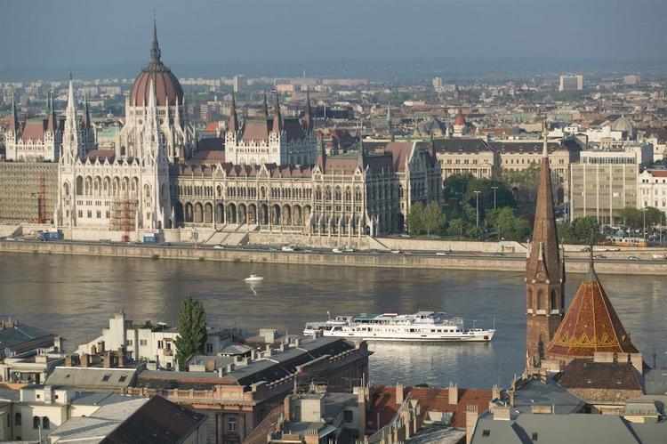 Живут же люди! Венгрия: Балатон, свиньи, художники, изобретатели,  «шарик» Биро