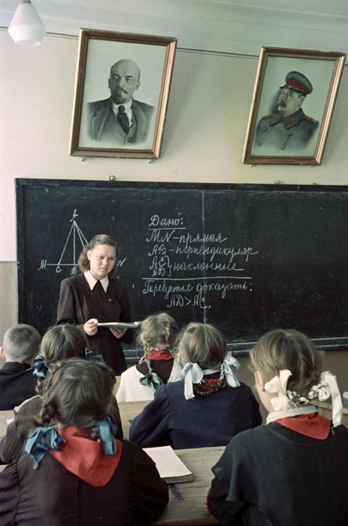 Иконостас в школе для детей с синдромом дауна: они все учились в нашей школе...