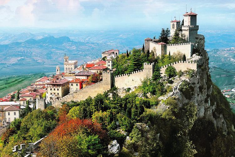 Живут же люди! Ваше Светлейшество: Республика Сан-Марино, вершины, марки, дороги