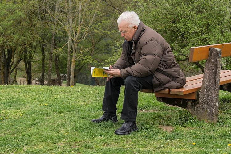 Эксперты ОЭСР выявили зависимость пенсионного возраста от долголетия