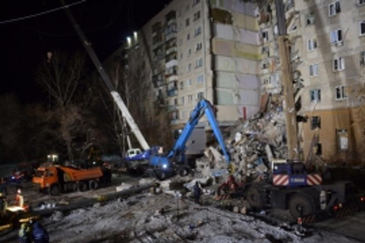 МЧС: на утро 1 января  известно о семи погибших в Магнитогорске