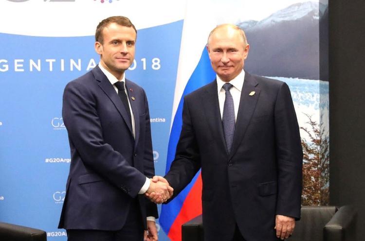 Путин и Макрон обсудили кризис в Сирии и на Украине