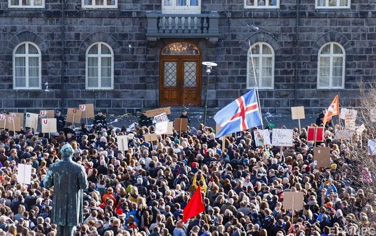 Почему в Исландии запретили стриптиз