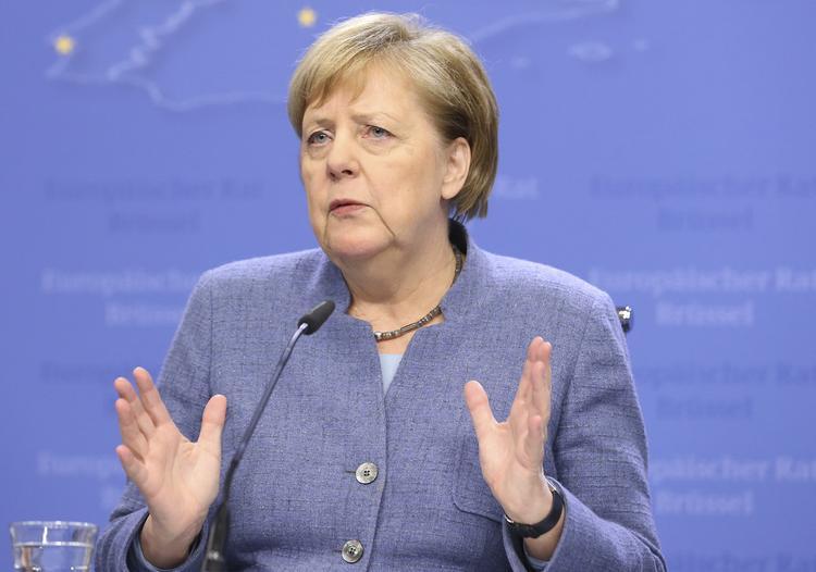 Канцлер ФРГ Ангела Меркель стала жертвой хакерской атаки