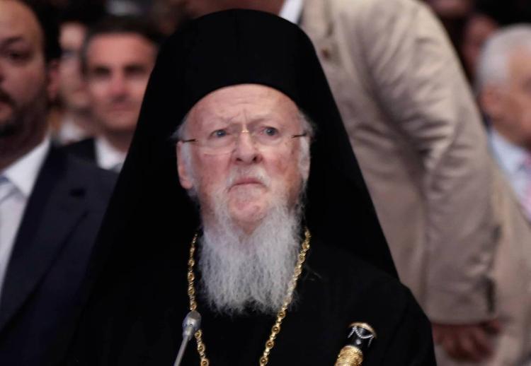 """Патриарх Варфоломей передал Украине документ о независимости """"новой церкви"""""""
