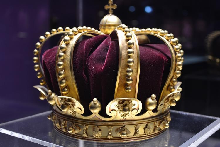 """После женитьбы на """"Мисс Москва-2015"""" король Малайзии отрёкся от престола"""
