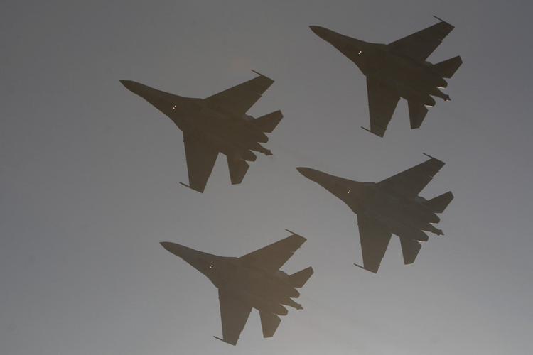 В авиаполк ЗВО в Тверской области прибыли первые истребители Су-35