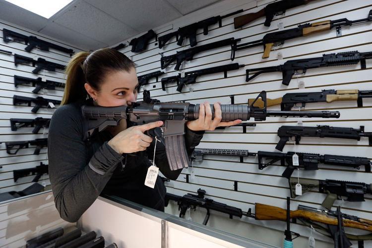 На руках у гражданского населения оружия больше, чем у армии и полиции