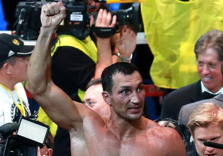 СМИ сообщают, что боксер Владимир Кличко намерен возобновить карьеру