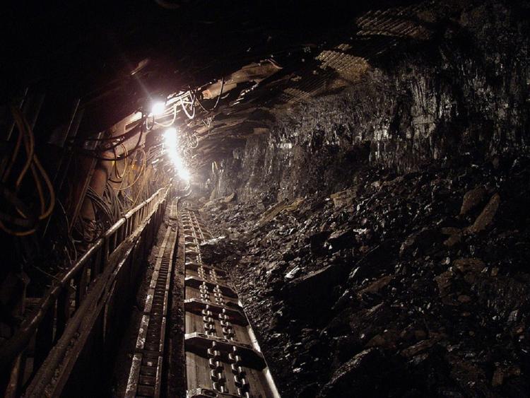 Более 20 человек погибли при обрушении угольной шахты в Китае