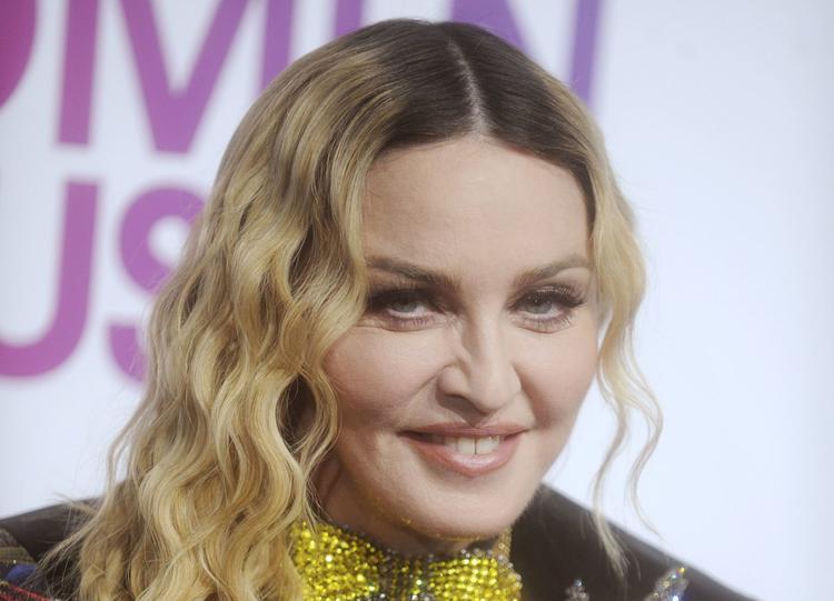"""""""Перетянула лицо"""": поклонники поражены изменениями во внешности Мадонны"""