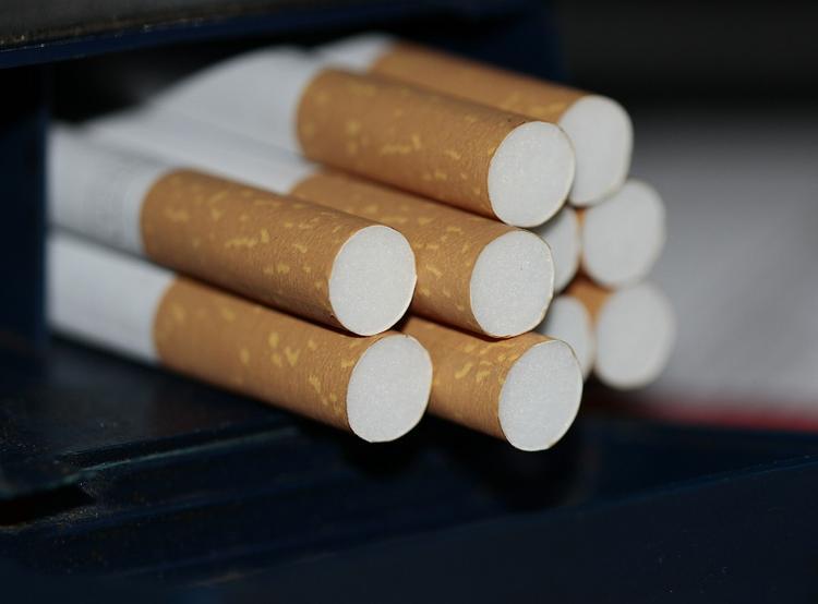 Эксперт: Табачные изделия - товары повседневного спроса