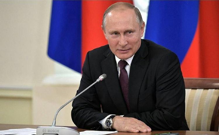 Путин на Крещение нырнул в прорубь