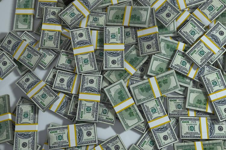 Почему для США выгодно ослабить свой доллар?