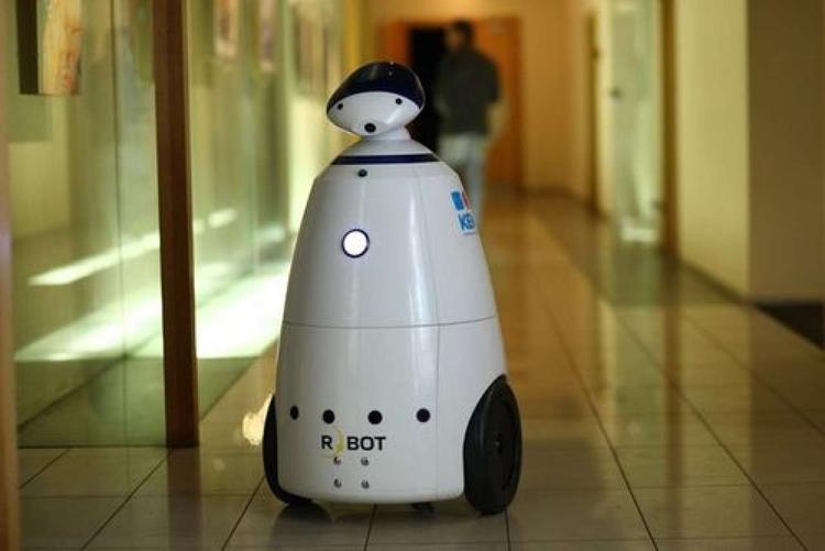 Робот, будь человеком!..