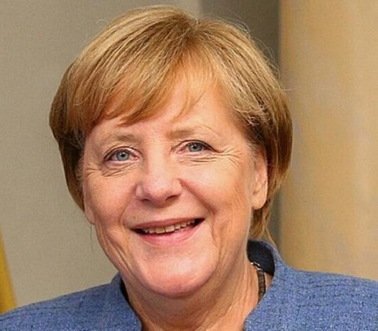 Видеообращение: Ангела Меркель уходит из Facebook