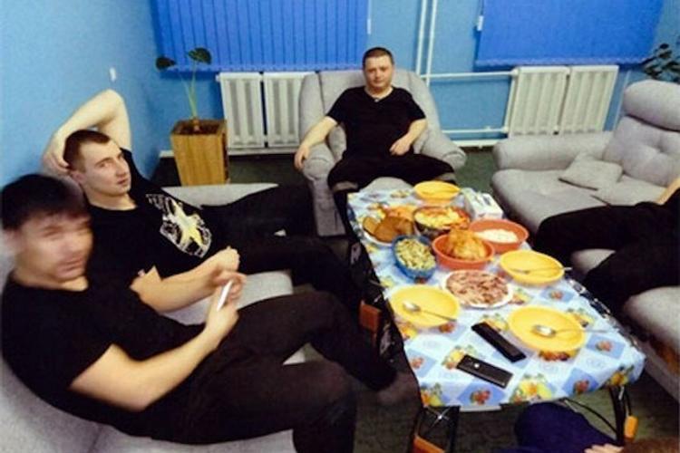 """Ролик о """"нечеловеческих условиях содержания"""" члена Цапковской ОПГ возмутил всех"""