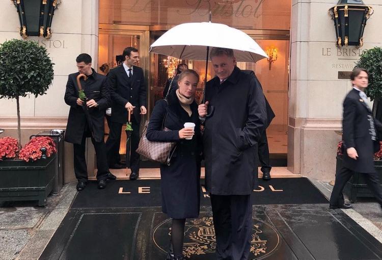 Дмитрий Песков не связывает присутствие дочери в Европарламенте со своей работой