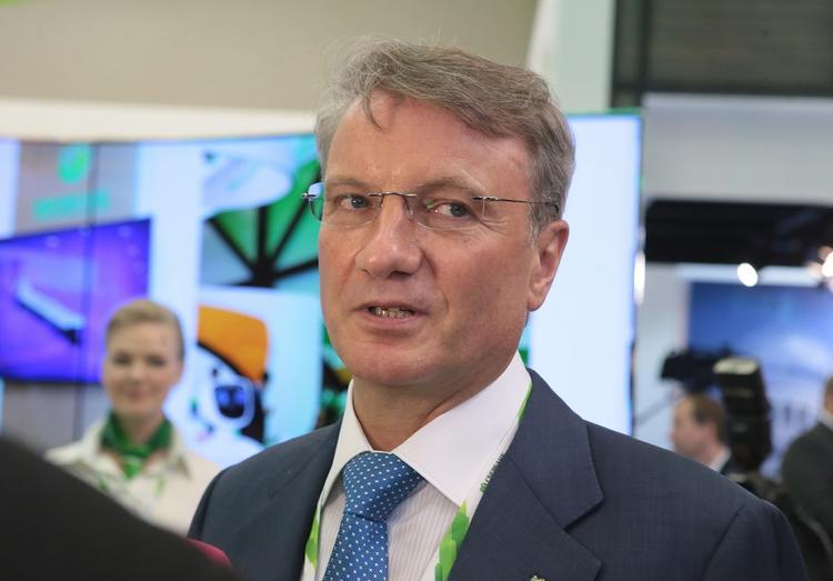 Греф рассказал о потерях миллиардов рублей из-за ИИ
