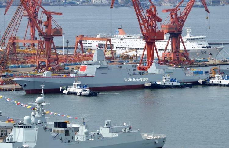Китай строит огромный флот эсминцев