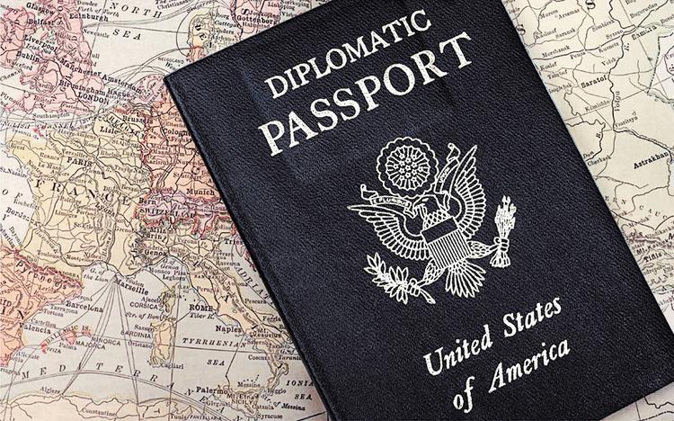 Миноносец из посольства США