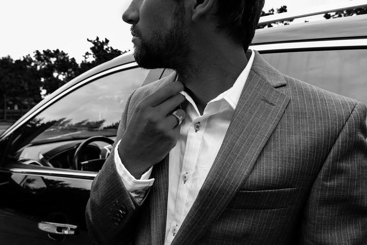 Сколько расстёгнутых пуговиц на рубашке может позволить себе мужчина