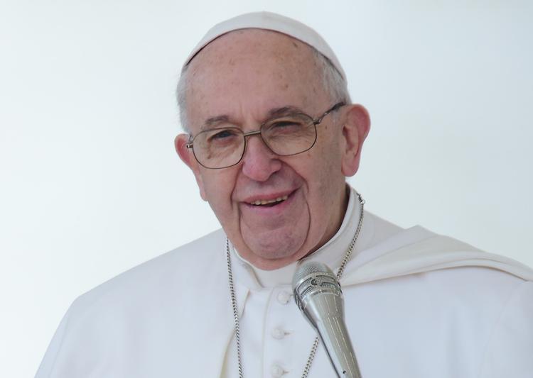Папа Римский призывает не сравнивать с богом футболиста Месси
