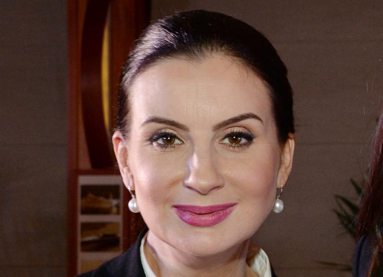 51-летняя Екатерина Стриженова продемонстрировала поразительно узкую талию