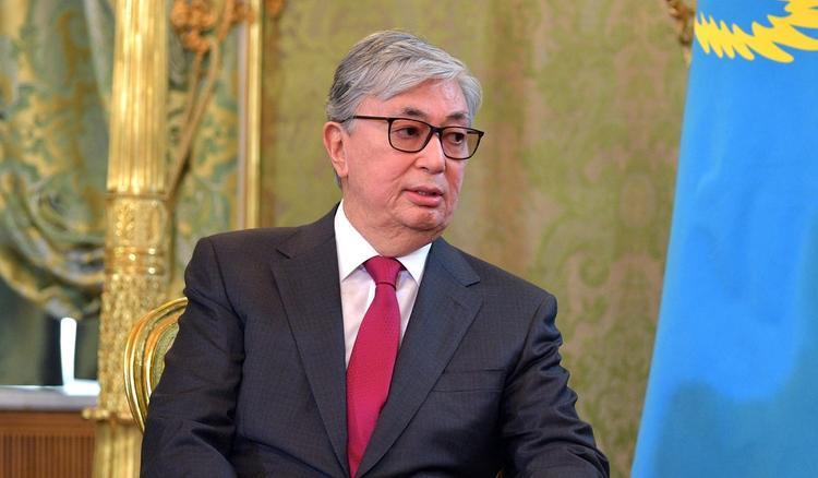 """Духовная модернизация"": Казахстан переходит на латиницу"