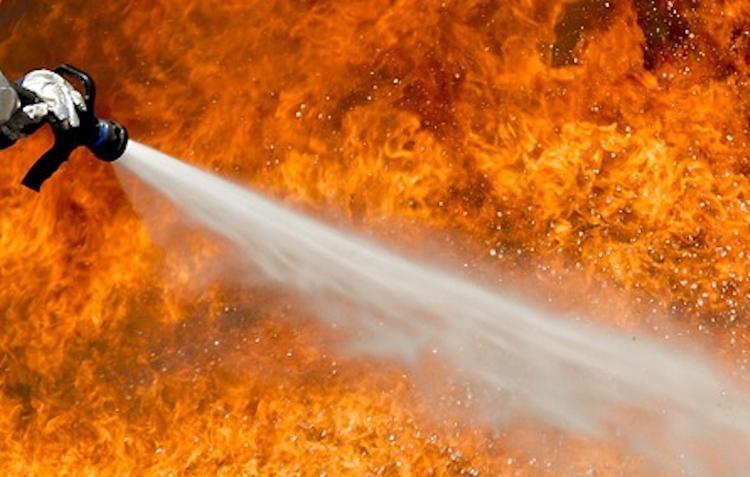 После тушения пожара в квартире на юго-востоке Москвы нашли тело мужчины