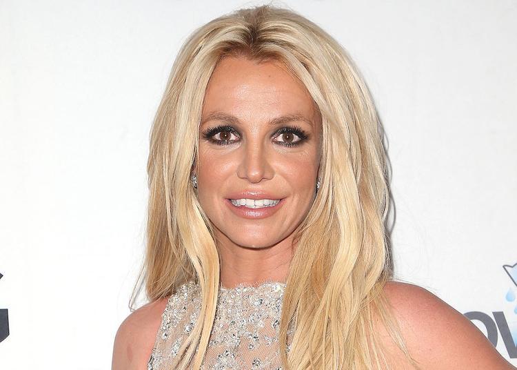 СМИ утверждают, что певица Бритни Спирс вновь попала в психиатрическую клинику