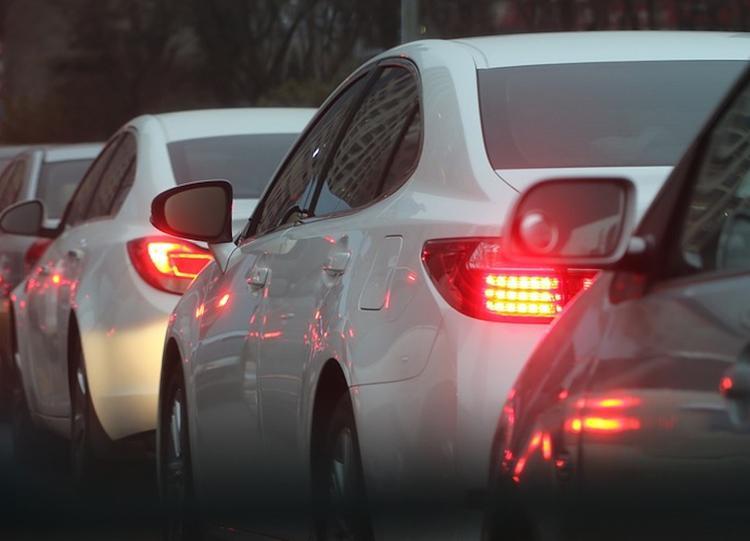 Московских водителей предупреждают о серьезных пробках на дорогах
