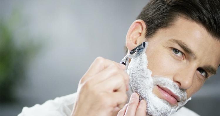 Небольшая ранка от бритвы может стать причиной рака кожи
