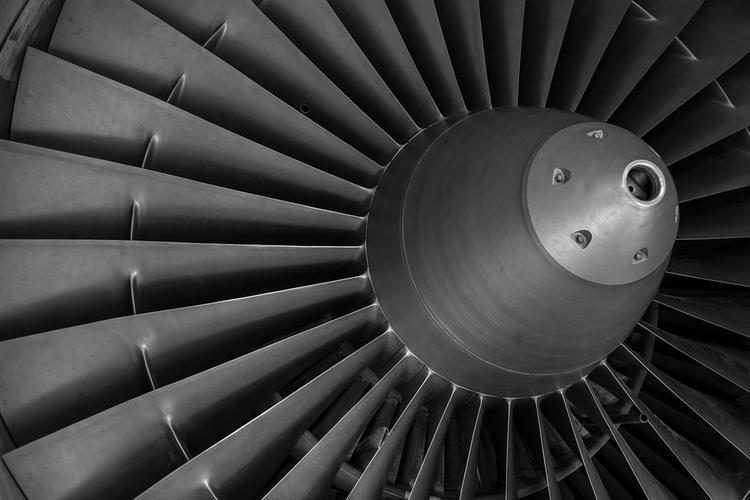 В России резко снизилось производство летательных аппаратов:  самолетов, вертолетов и космических кораблей