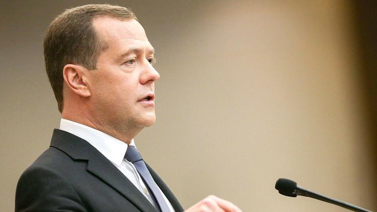 Медведев прокомментировал инициативу Володина об участии Госдумы в формировании правительства