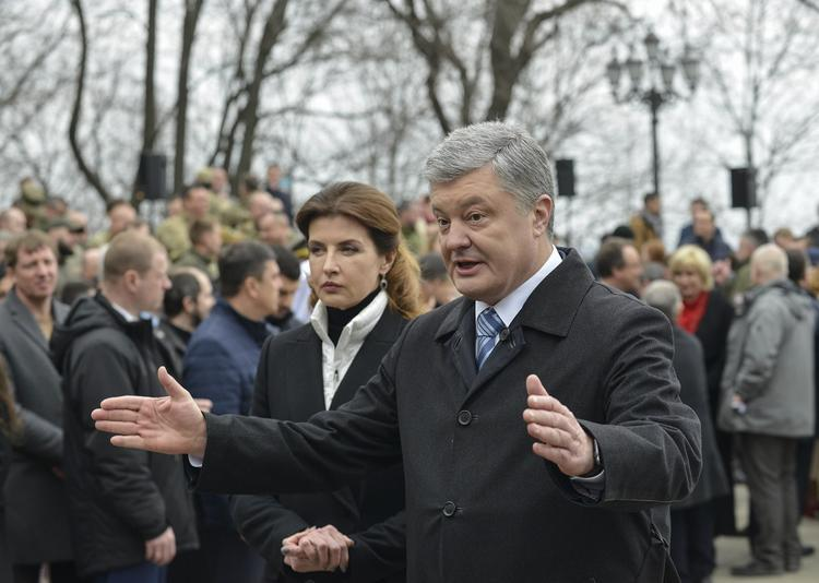Андрей Караулов раскрыл единственный шанс Порошенко на победу над Зеленским