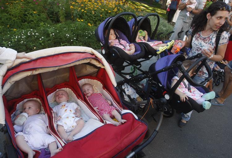 Благодаря ЭКО все больше рождается близнецов
