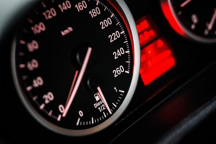 В России штраф за превышение скорости могут увеличить  до 3 тысяч рублей
