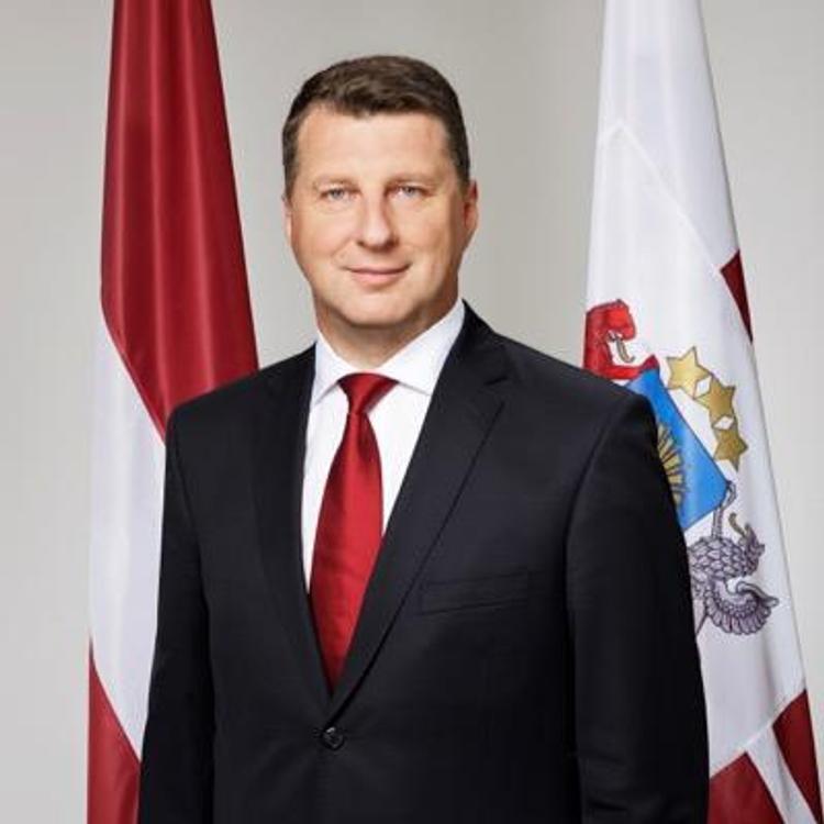 Президент Латвии приехал в Эстонию поговорить с коллегой и посетить мемориал жертвам коммунизма