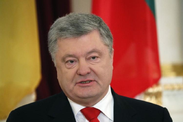 Штаб Порошенко заявил о непричастности к видео со сбитым грузовиком Зеленским